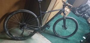GT AVALANCHE 29ER MOUNTAIN BIKE for Sale in Pittsburgh, PA