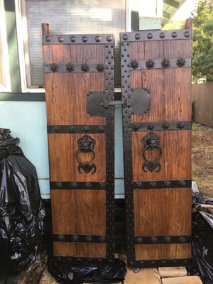 QIng Dynasty circa 1850 Chinese doors. Professionally refinished. They fit EXACTLY both together & in height, but I couldn't line them up by myself for Sale in Haleiwa, HI