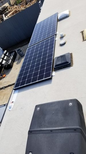 SOLAR PANEL SYSTEM KIT RV MOTORHOME for Sale in Redondo Beach, CA