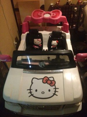 HELLO KITTY ELECTRIC SUV!! EXCELLENT CONDITION BARELY USED!!! CHROME RIMS, RADIO, HORN, ETC.!!! MAKE OFFER!!! A LOT OF LIGHTS ON THE SUV TOO for Sale in Oakland Park, FL