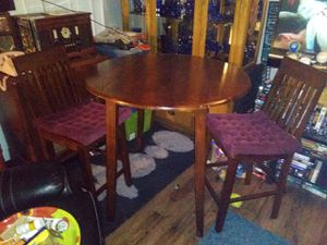 Folding Dinning room table and chairs for Sale in Renton, WA
