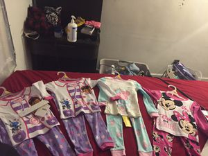 Baby girl 3t clothes for Sale in Columbus, OH