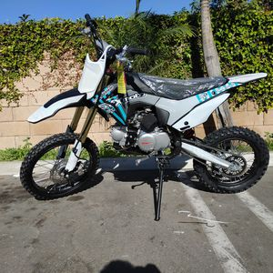 Gas Dirt Bike 125cc for Sale in Compton, CA