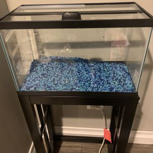 Fish Tank - 10 Gallon With Stand for Sale in Grayslake, IL