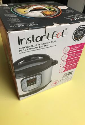 Instant Pot pressure cooker 6 quarts Brushed Stainless Steel for Sale in Visalia, CA