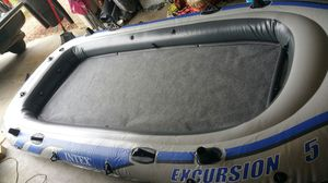 Intex Excursion 5 inflatable boat for Sale in North Las Vegas, NV