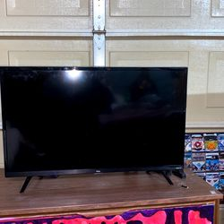 """TCL 32"""" Roku TV for Sale in Tacoma,  WA"""