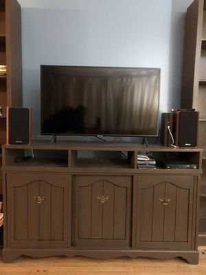 Wood TV Stand for Sale in Lake Oswego, OR