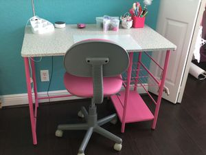 Girls desk and chair for Sale in FL, US