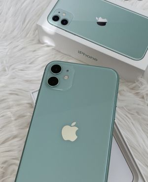 iPhone 11 green 64 gb for Sale in Miami, FL