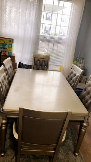 Dinner table with 6 chairs for Sale in Columbus, OH