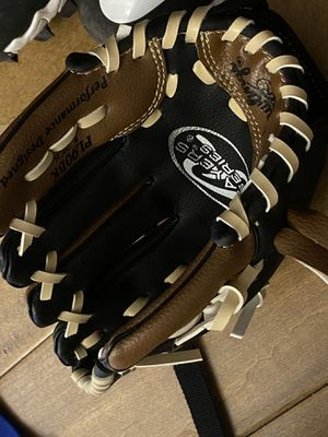 Rawling baseball glove 9 inch left hand for Sale in Los Angeles, CA