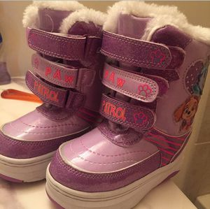 PAW PATROL Snow Boots! (Toddler Size 7) for Sale in Woodbridge, VA