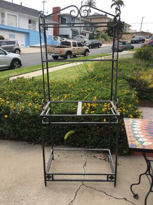 Wrought iron Baker Rack for Sale in Los Angeles, CA