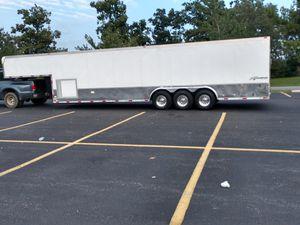 30 ft Gooseneck car trailer for Sale in Eagle Harbor, MD