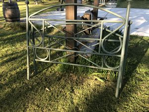 Full size Frame (Free) for Sale in Madera, CA