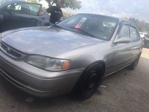 Toyota Corolla 99 for Sale in St. Petersburg, FL