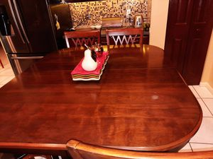 Dining table with 6 chair for Sale in West Palm Beach, FL