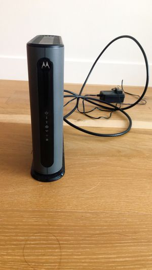 Motorola Dual Band Router with 16 x 4 DOCSiS 3.0 Cable Modem for Sale in San Mateo, CA