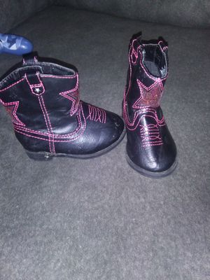 Size 4 baby cow girl boots for Sale in Aberdeen, WA