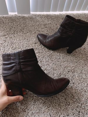 Leather heel Boots size 7 for Sale in Moreno Valley, CA