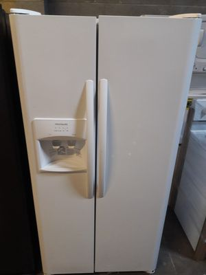 33 inch wide Frigidaire open box new refrigerator 12 MONTHS WARRANTY available for pick up or deliver for Sale in Halethorpe, MD