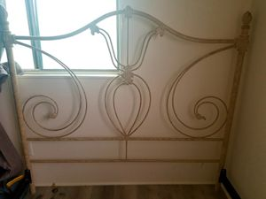 Queen Rod Iron Bed Frame for Sale in Ventura, CA