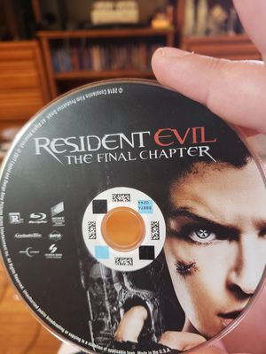 Resident Evil The Final Chapter Bluray for Sale in Minneapolis, MN