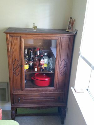 Antique China hutch for Sale in Kenmore, WA