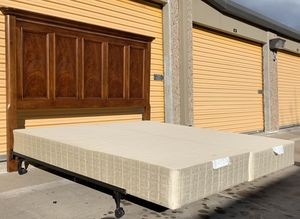 Nice King Size Bed Frame w/ Boxspring for Sale in Lakewood, CO
