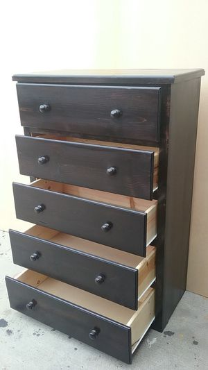 5 Drawer Chest Dark Cherry Solid Wood || Cajonera Madera Solida 5 Cajones for Sale in La Puente, CA