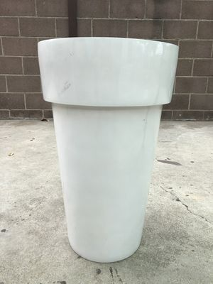 Flower Pot for Sale in CTY OF CMMRCE, CA
