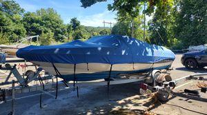 1999 Bayliner Capri Boat and trailer for Sale in Monroe, CT