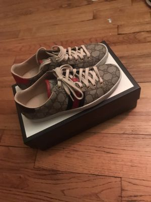 Gucci low top for Sale in Dublin, OH