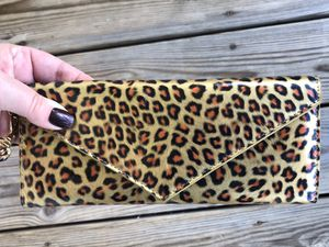 Authentic Marc Jacobs Wristlet Wallet Clutch Animal Print in Leopard for Sale in Middletown, MD