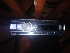 Alpine single DIN Bluetooth head unit for Sale in Nashville, TN