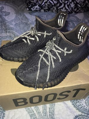 Yeezy boost 350v2 non-reflective Black for Sale in Los Angeles, CA