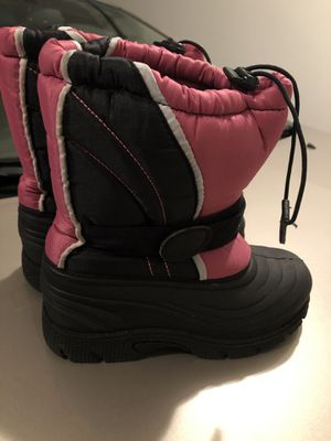Youth girls snow boots size 3 for Sale in Auburn, WA