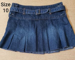 Size 10 SQUEEZE denim skirt $2 for Sale in Santa Ana, CA