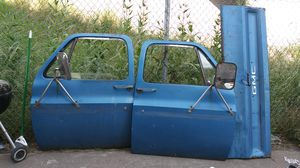 1975 GMC truck parts bed and hood doors tailgate for 250.00 for Sale in Portland, OR