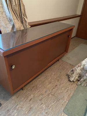 VINTAGE 2 DOOR CABINET for Sale in Tacoma, WA