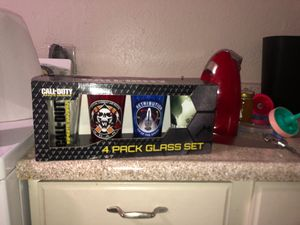 Call of Duty 4 pack glass set for Sale in Phoenix, AZ