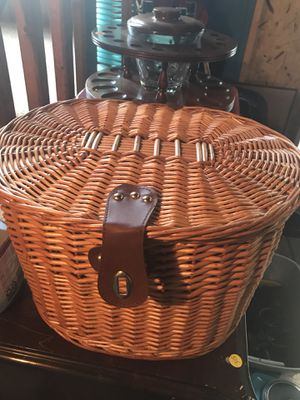 Picnic basket for Sale in Harrisonburg, VA