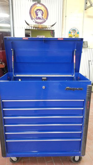 Snap on tool box with 7 openings for Sale in Tucson, AZ