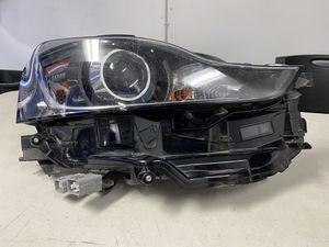 2017 lexus is 200t right headlight for Sale in Costa Mesa, CA