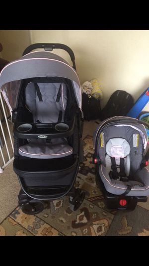Graco snigride 35 click n connect stroller and car seat for Sale in Bellevue, WA