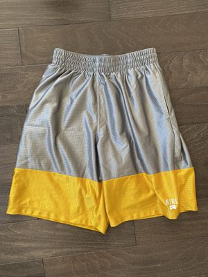 Men's Nike shorts sz L for Sale in Chicago, IL