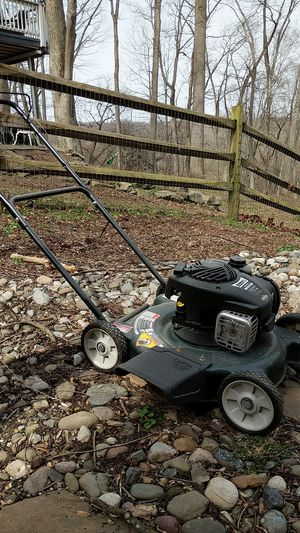 "Bolens 20"" cutting width gas mower for Sale in New Market, MD"