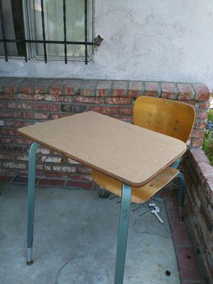 Desk child school desk escritorio for Sale in Santa Monica, CA