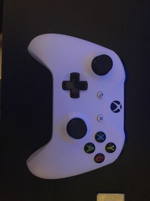 Xbox one controller for Sale in Vienna, VA